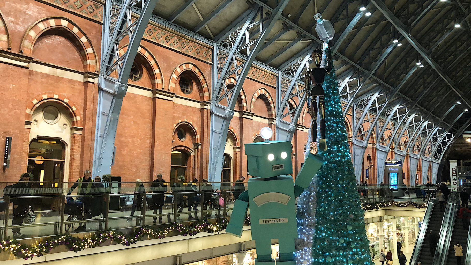 676d3f3c6 The Holidays Made by Tiffany have arrived at St. Pancras